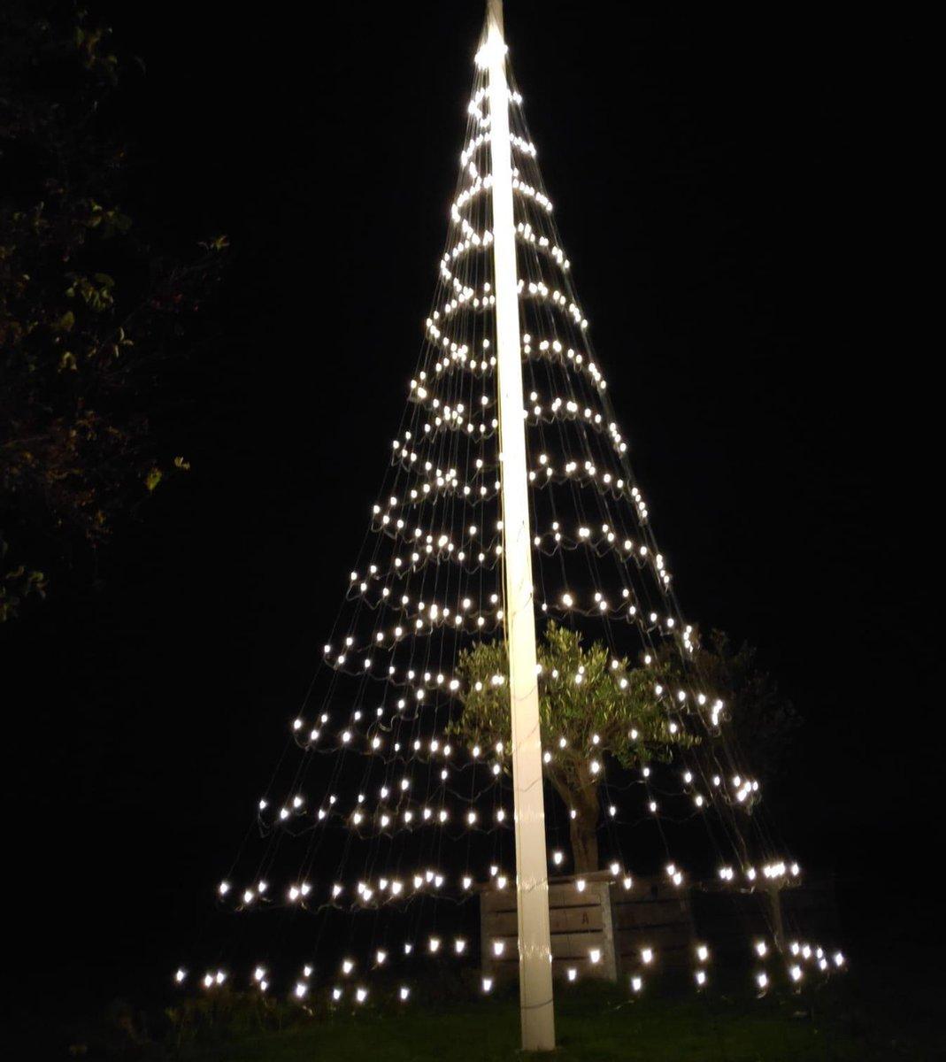 KERSTVERLICHTING BUITEN- MONTEJAUR- Vlaggenmast Kerstboom Verlichting | 6 meter | 480 LED | Warm Witte Led Lampjes kopen