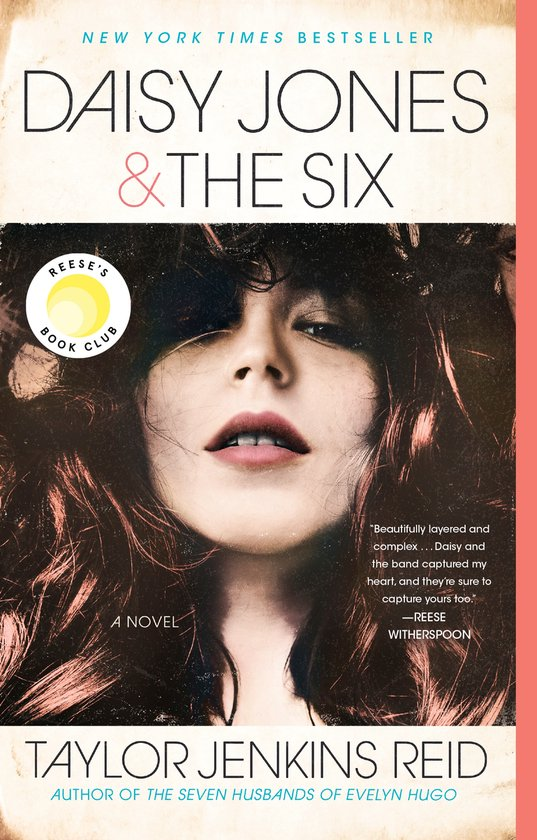 Boek cover Daisy Jones & The Six van Taylor Jenkins Reid (Paperback)