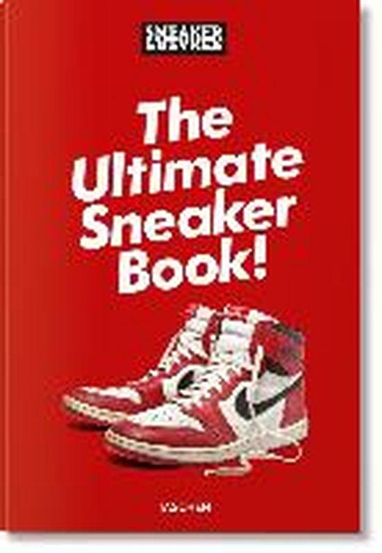Boek cover Sneaker Freaker. The Ultimate Sneaker Book van Simon Wood (Hardcover)