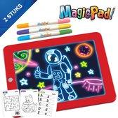 Magic Pad 2 stuks, Magisch tekenbord met licht, Kleuren met magie, Lichtgevend teken tablet, Kleurstiften met 6 neonkleuren, Sjablonen voor kleuren, tekenen, schrijven en rekenen, teken bord