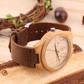 Houten horloge met bruine leren band, 5 ruiten en 12 driehoeken