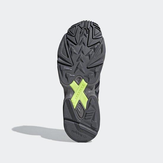 Adidas yung 96 carbon grey four signal yellow F97180, maat 45 1/3