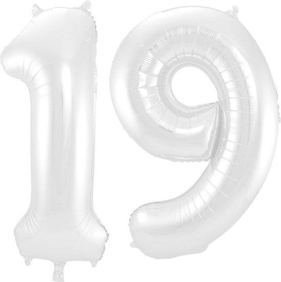 Cijfer 19 Wit Metallic Mat 86 cm