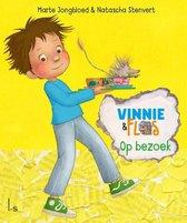 Vinnie & Flos 4 -   Op bezoek