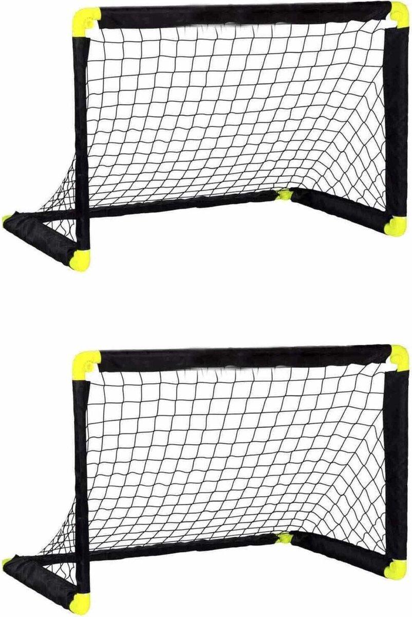 2x Voetbalgoals/voetbaldoelen 90 x 59 x 61 cm - Inklapbaar/vouwbaar - Buitenspeelgoed - Buiten spele