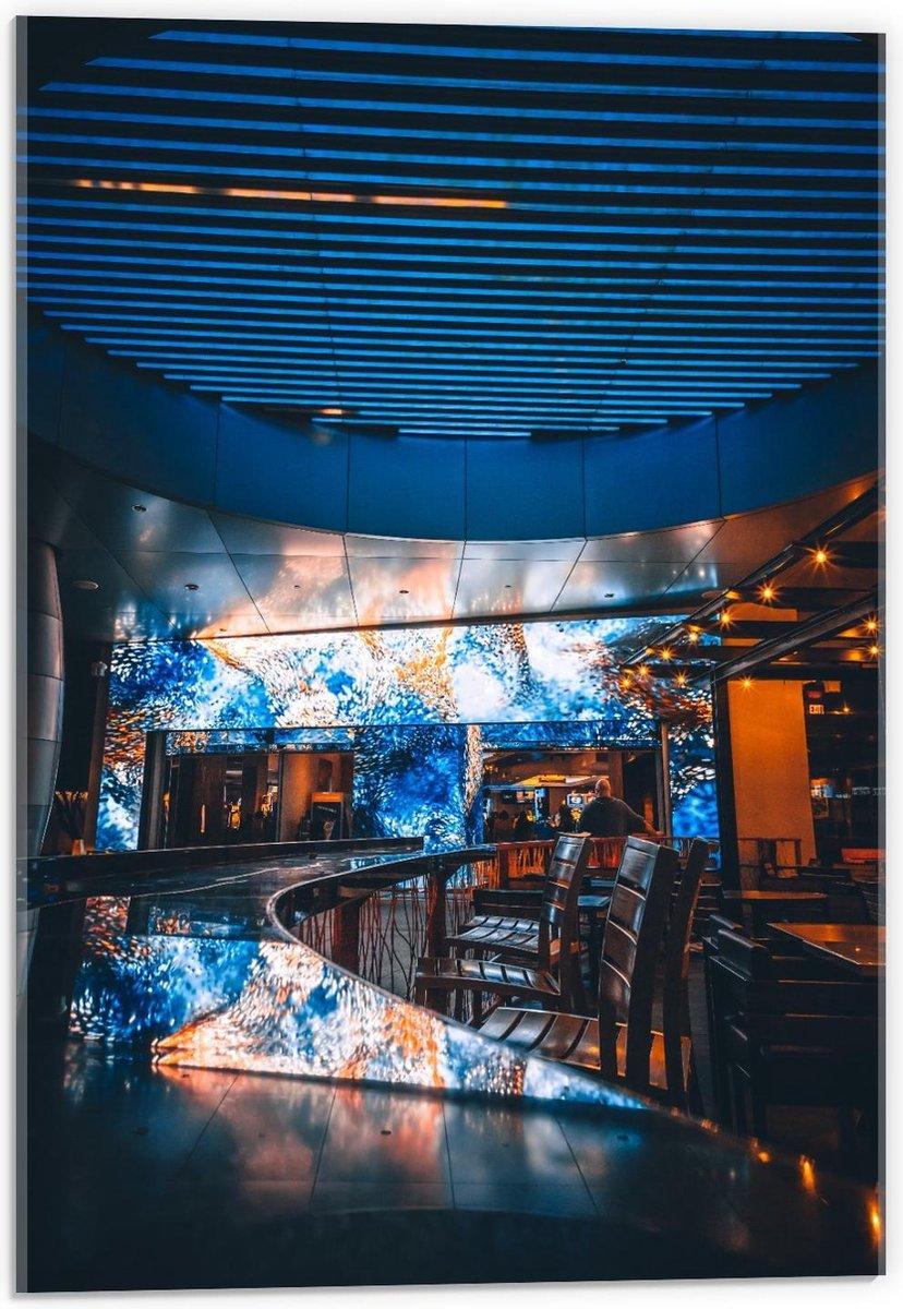 Plexiglas - Bar met Blauw Plafond en Muren - 40x60cm Foto op Plexiglas (Met Ophangsysteem)