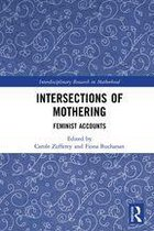 Omslag Intersections of Mothering
