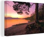 Kleurrijke hemel bij het Schotse Loch Lomond net na zonsondergang Canvas 90x60 cm - Foto print op Canvas schilderij (Wanddecoratie woonkamer / slaapkamer)
