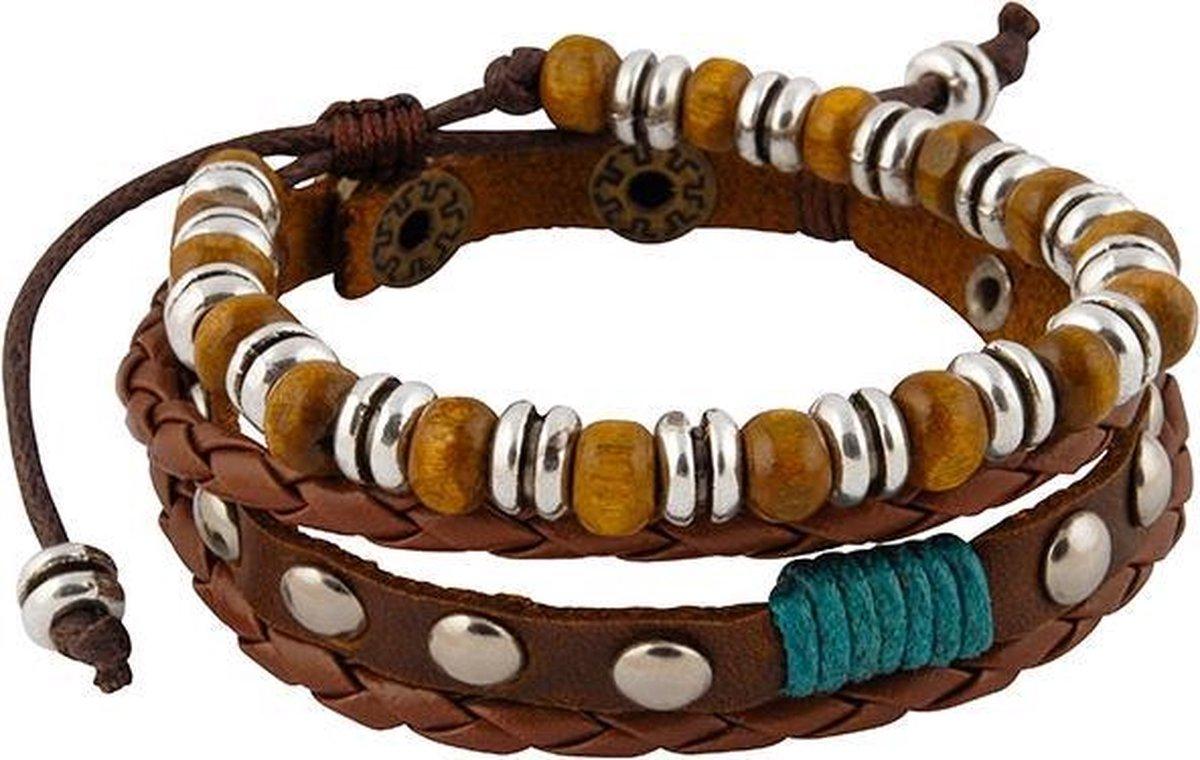 Leren armbanden met klinknagels en houten kralen - Wereldse Juwelen