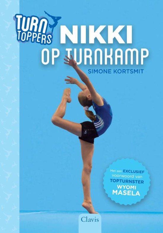 Boek cover Turn toppers 1 -   Nikki op turnkamp van Simone Kortsmit (Hardcover)