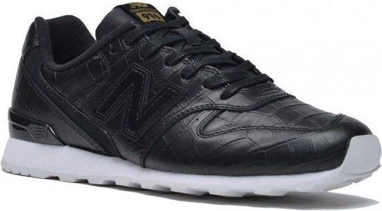 bol.com | New Balance - Dames Sneakers WR996CRB - Zwart ...