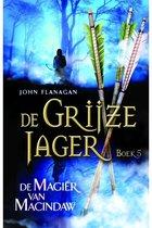 De Grijze Jager 5 -   De magiër van Macindaw
