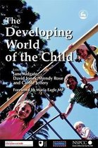 Omslag The Developing World of the Child