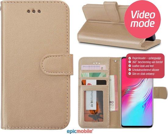 Epicmobile - iPhone XR Boek hoesje met pasjeshouder - Luxe portemonnee hoesje - Goud