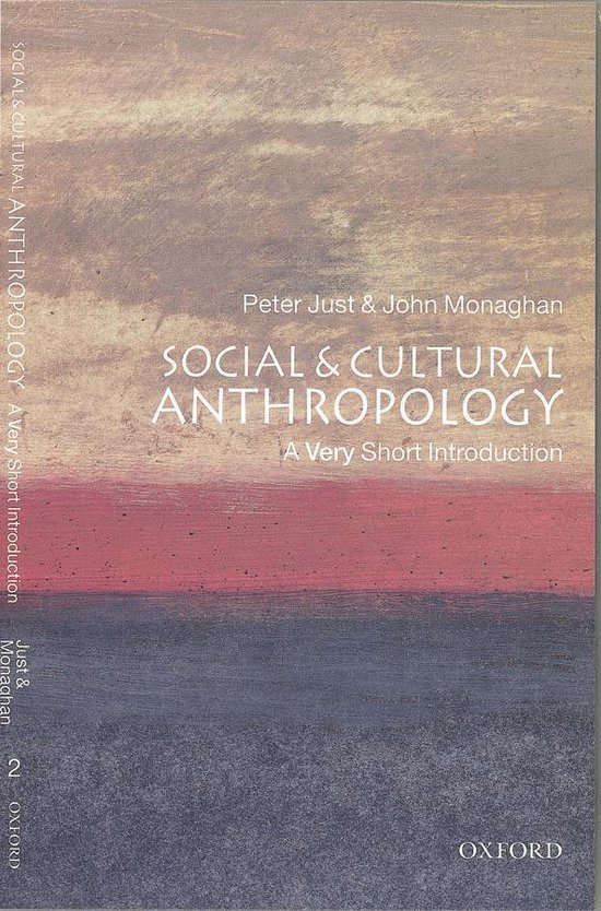 Boek cover Social and Cultural Anthropology: A Very Short Introduction van John Monaghan (Onbekend)