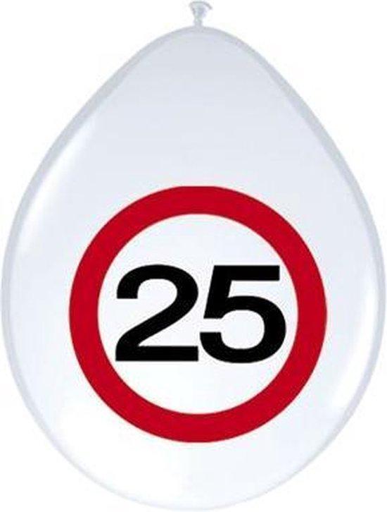 8x stuks Ballonnen 25 jaar verkeersbord versiering