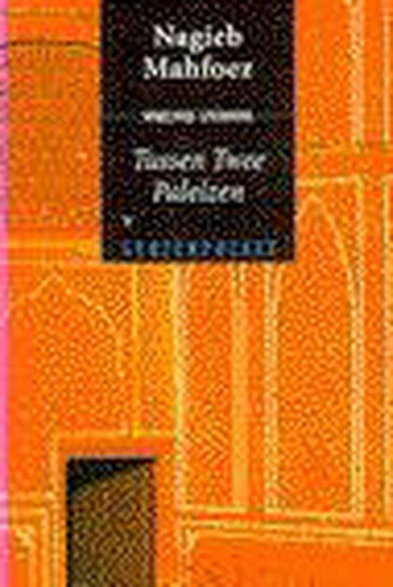 Boek cover Tussen Twee Paleizen Pocket van Nagieb Mahfoez (Paperback)