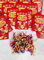 Gelukspoppetjes hout 50 stuks + 50stuks rode enveloppen uitdeelcadeaus  geluksbrenger