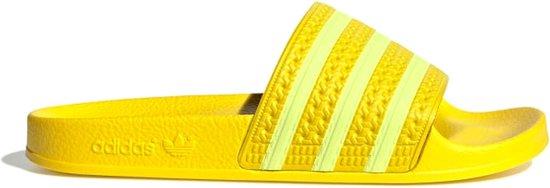 bol.com | adidas Adilette Slippers - Maat 39 - Vrouwen - geel