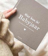 Babyjaar invulboek Linnen Taupe