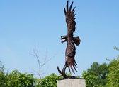 Bronzen Beelden:  Vliegende Arend