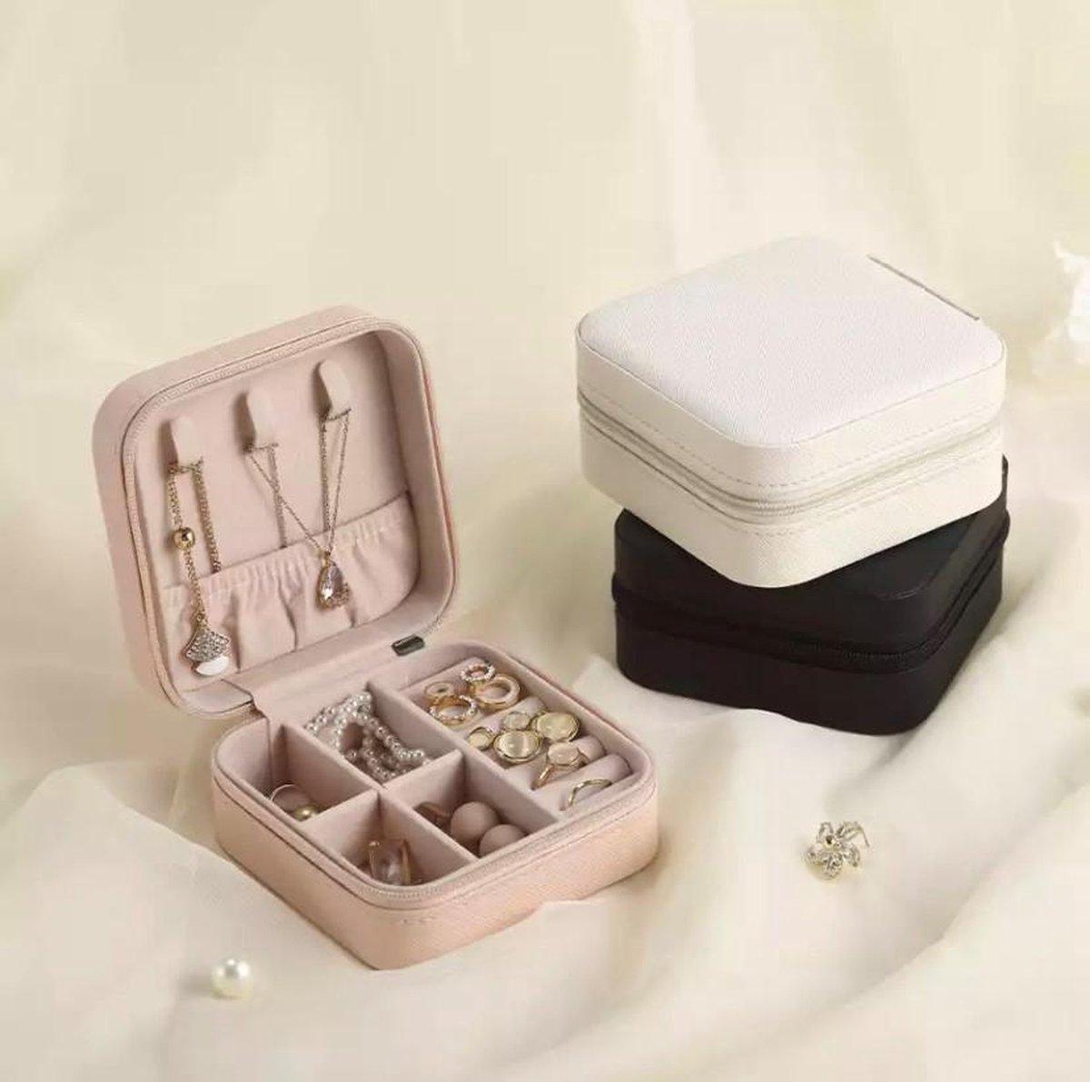 Luxe fluwelen sieradendoos compact zwart / premium jewelry box / juwelendoos / opbergdoos / opbergbox / meerdere vakken / ketting, oorbellen, ring, horloge / vakantie / geschenk / cadeautje voor haar / sieradendoosje / sieradendoos dames
