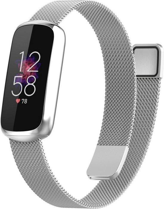 Luxe Milanese Loop Armband Voor Fitbit Luxe Activity Tracker Smartwatch - Horloge Bandje - Metalen iWatch Milanees Watchband Polsband - Stainless Steel Mesh Watch Band - Horlogeband - Magneet Sluiting - One-Size - Zilver Kleurig