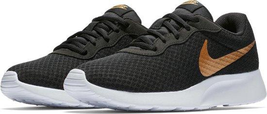 bol.com | Nike Wmns Tanjun - Black/Metallic Gold - Sneakers ...