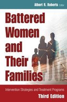 Omslag Battered Women and Their Families
