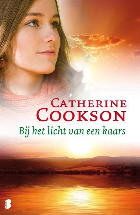 Bij het licht van een kaars - Catherine Cookson |