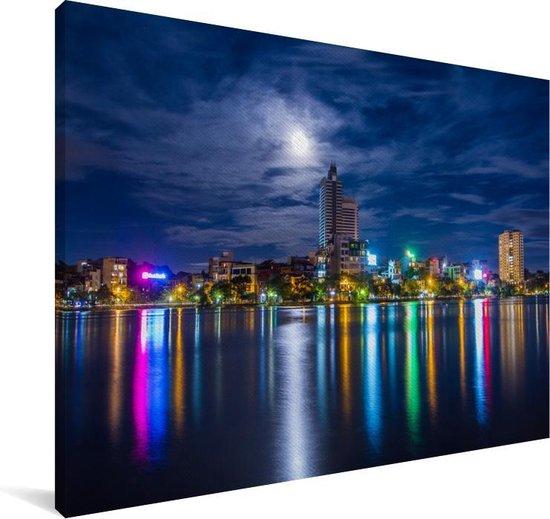 Kleurrijke skyline van Hanoi vanaf het water in Vietnam Canvas 30x20 cm - klein - Foto print op Canvas schilderij (Wanddecoratie woonkamer / slaapkamer)