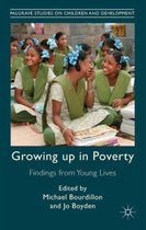 Omslag Growing Up in Poverty