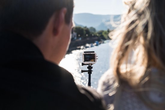 Nikkei EXTREMEX4S - 1080p Action Cam met Wi-Fi en Waterdichte Behuizing en Bevestigings-accessoires - Zwart - Nikkei