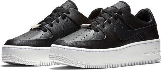 Nike Air Force 1 Sage Low Sneaker Dames Sneakers - Maat 38.5 - Vrouwen -  zwart/wit