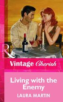 Omslag Living with the Enemy (Mills & Boon Vintage Cherish)