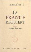 La France requiert contre ses institutions