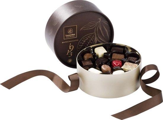 Chocolade Cadeau   Leonidas Bonbons   Luxe Bruine Giftbox   Met 24 Leonidas Bonbons