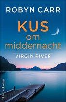 Boek cover Kus om middernacht van Robyn Carr (Onbekend)
