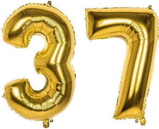 37 Jaar Folie Ballonnen Goud - Happy Birthday - Foil Balloon - Versiering - Verjaardag - Man / Vrouw - Feest - Inclusief Opblaas Stokje & Clip - XXL - 115 cm