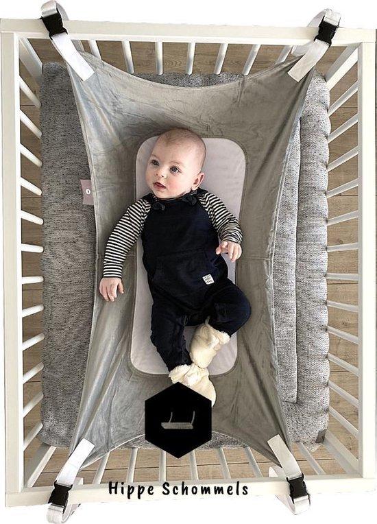 Product: Baby Hangmat Grijs - Box Hangmat - Premium Fleece & Mesh - Wieg - Perfect als Cadeau!, van het merk Hippe Schommels