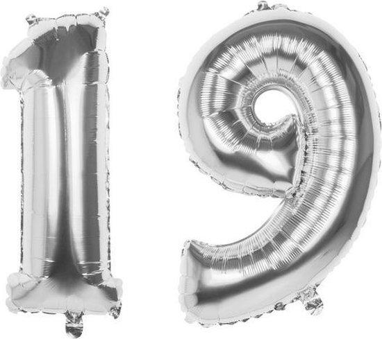 19 Jaar Folie Ballonnen Zilver- Happy Birthday - Foil Balloon - Versiering - Verjaardag - Man / Vrouw - Feest - Inclusief Opblaas Stokje & Clip - XXL - 115 cm
