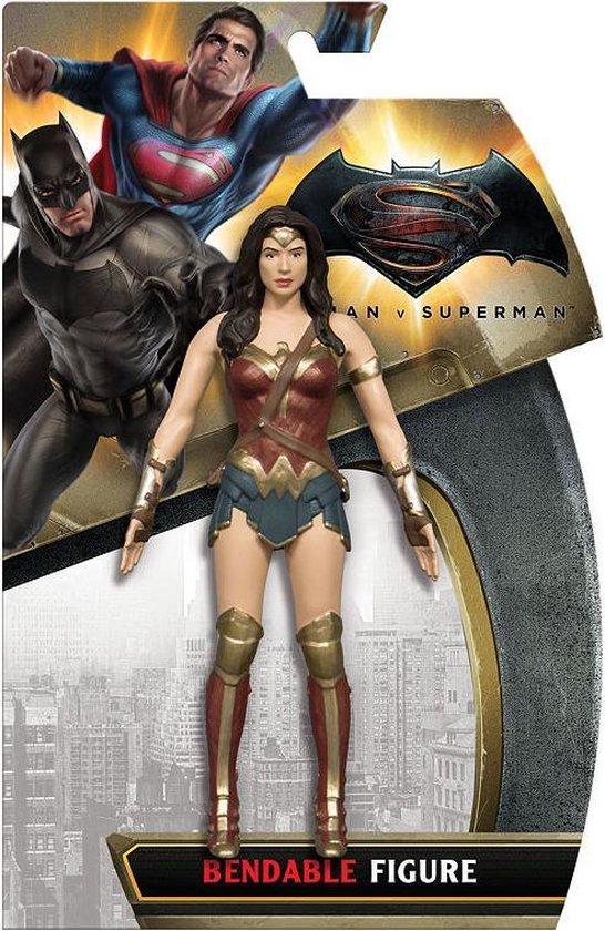 Batman v Superman: Dawn of Justice Wonder Woman buigbaar actiefiguur 13CM
