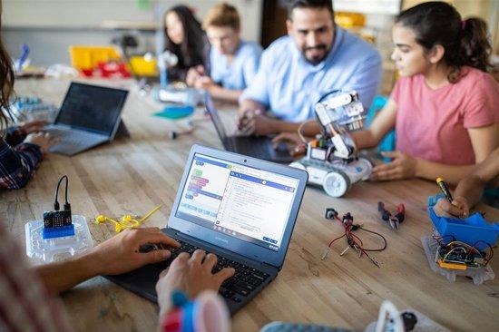 Thumbnail van een extra afbeelding van het spel Sphero RVR - De Go-Anywhere, Do-Anything programmeerbare robot