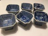 Set van 6 chinese sakeglazen - of amuse schaaltjes - in diverse blauwe designs