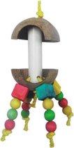 Klauter speeltje waar je aan kunt knabbelen en hangen met kokos schors
