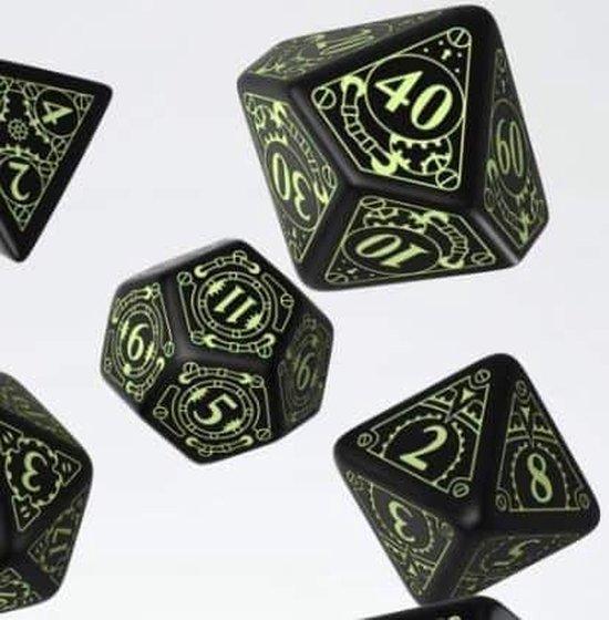 Thumbnail van een extra afbeelding van het spel Steampunk Black & glow-in-the-dark Dice Set