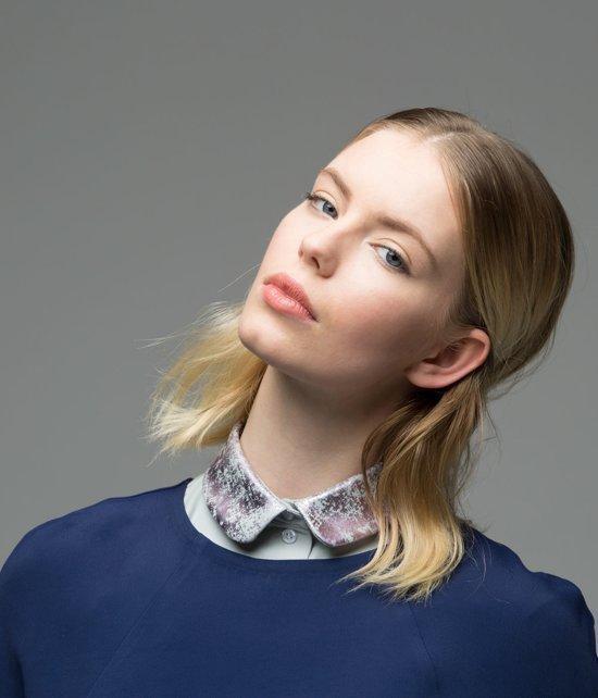 Los, lichtgrijs rond kraagje voor dames met lila print #M #Belgisch - Lilirooz.com