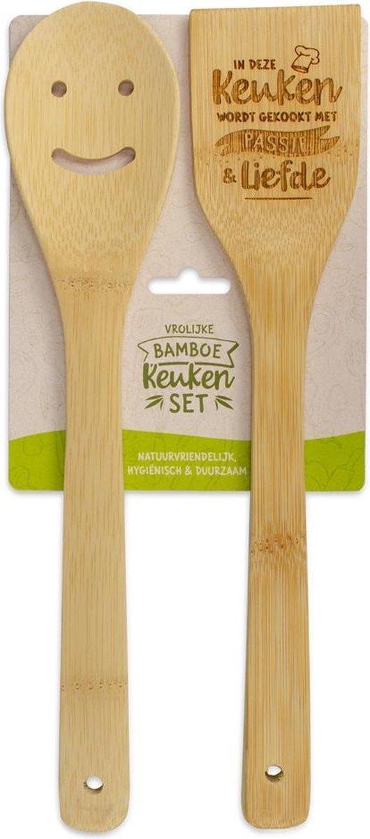 Bamboe keukenset met tekst In deze keuken wordt gekookt met passie en liefde