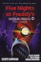 Boek cover Step Closer (Five Nights at Freddys van Scott Cawthon (Paperback)