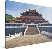 Tempel midden in Beijing Canvas 140x90 cm - Foto print op Canvas schilderij (Wanddecoratie woonkamer / slaapkamer)